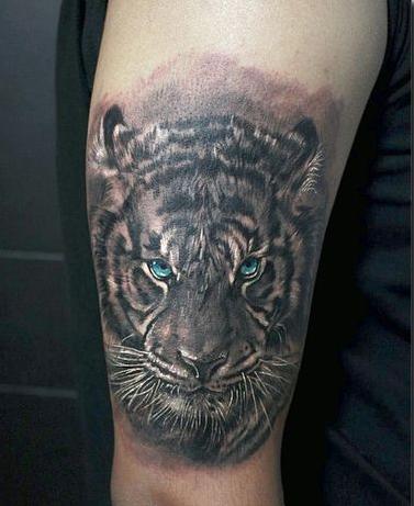 Tatouage tigre chinois homme