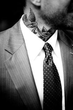 tatouage-homme-cou-7