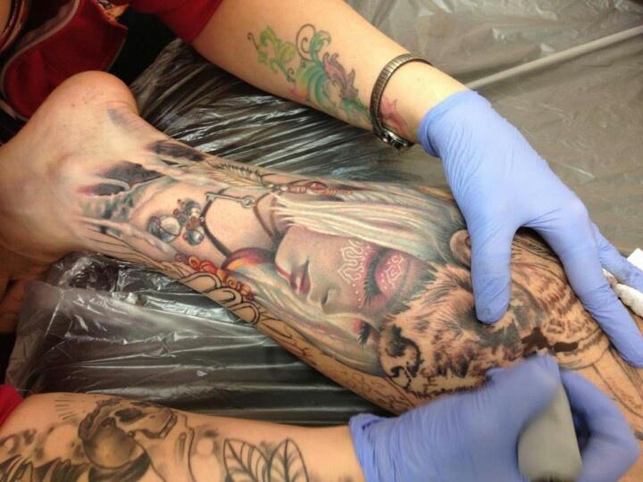 tatouage-homme-mollet-11