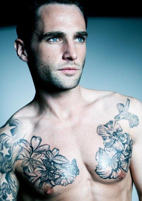 tatouage homme pectoraux : 15 modèles de tatouage pectoraux