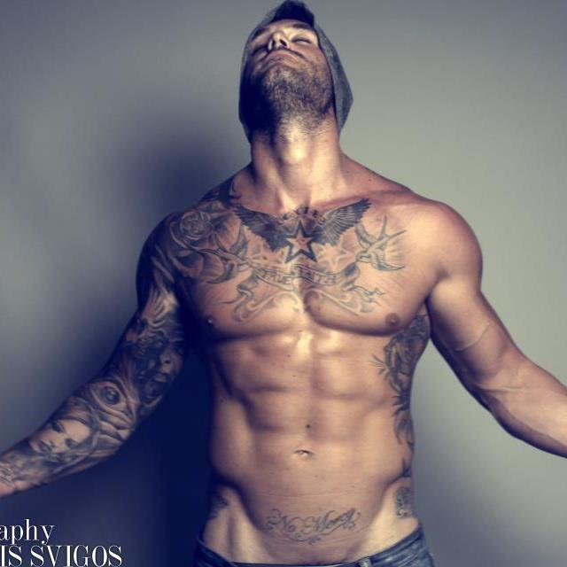 Tatouage Homme Pectoraux 15 Modeles De Tatouage Pectoraux