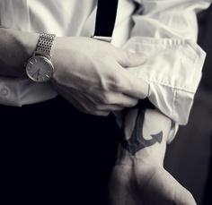tatouage-homme-poignet-4