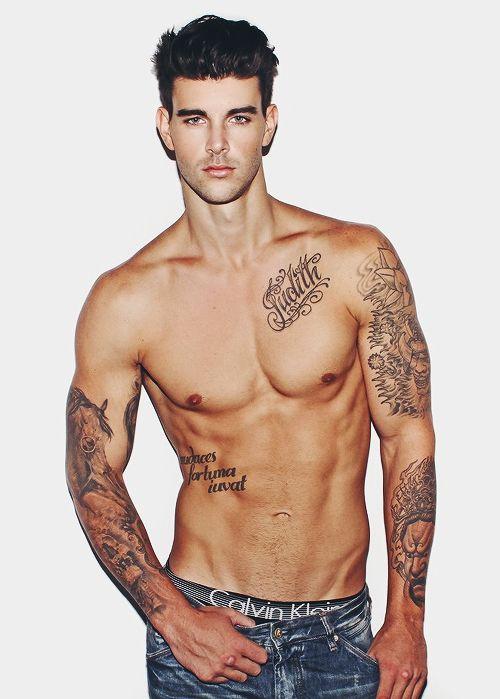 tatouage-homme-torse-10