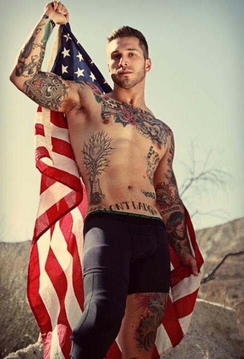 tatouage-homme-torse-11