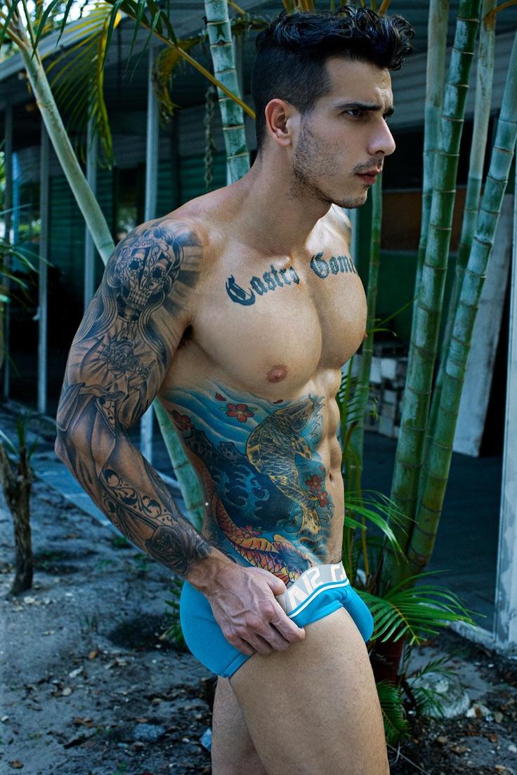 tatouage-homme-torse-6