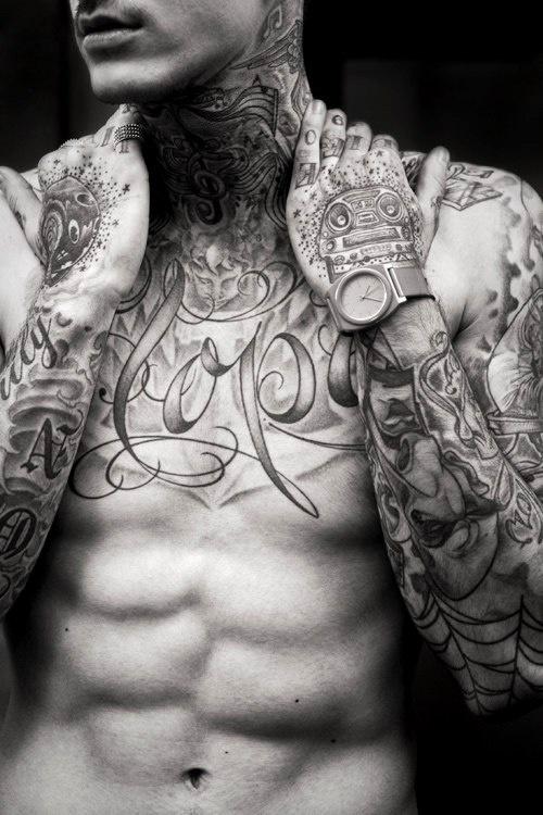 tatouage-homme-torse-8