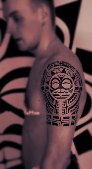 tatouage-polynesien-homme-1