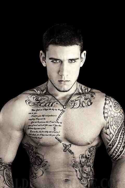 tatouage homme chapelet 15 exemples de tatouage chapelet homme photos tatouage pour homme. Black Bedroom Furniture Sets. Home Design Ideas
