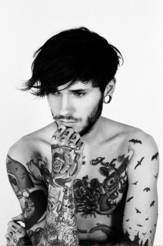 tatouage-fleur-homme-13