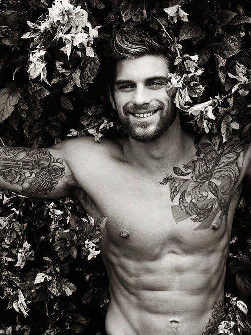 tatouage-fleur-homme-7