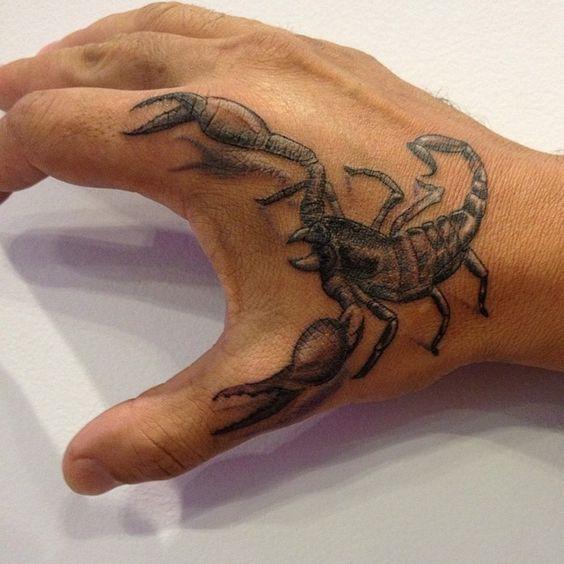 tatouage homme scorpion 15 mod les pour vous inspirer photos tatouage pour homme id es et. Black Bedroom Furniture Sets. Home Design Ideas