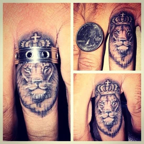 tatouage homme doigt : 25 idées de tatoos doigt très masculins